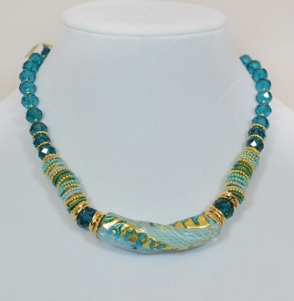 Blue and gold bead and twist pendant necklace