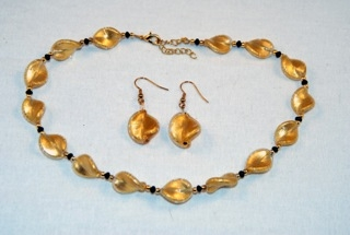 Gold murano glass small twists necklace and earrings