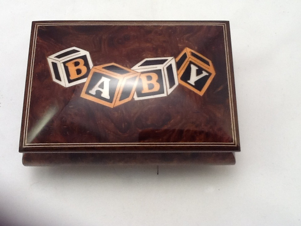 Baby blocks music box