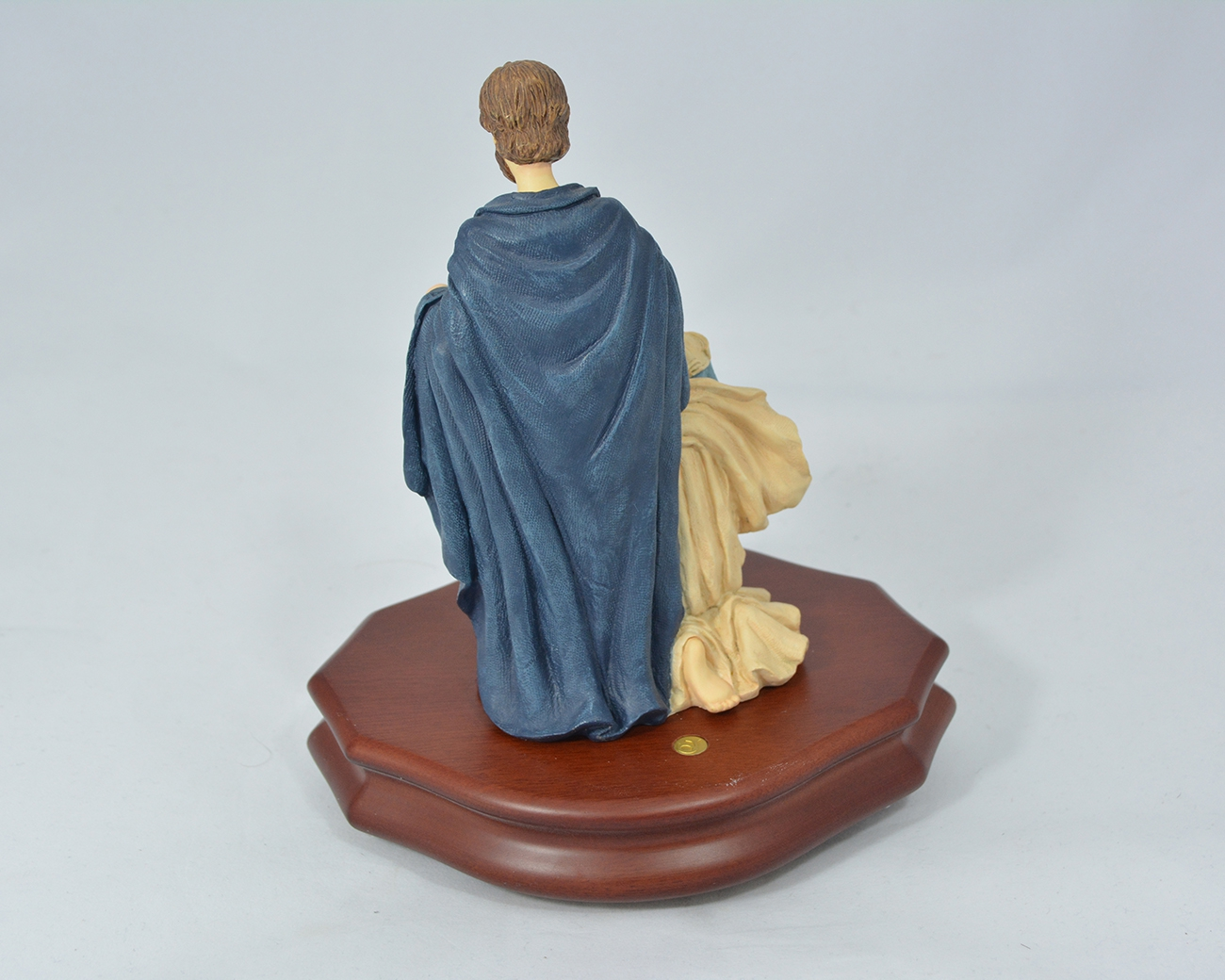 Nativity figurine with swiss movement