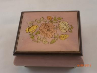 Sorrento lilac  flowers High Gloss  music box