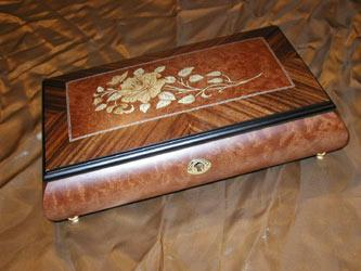 Matte Burlwalnut Jewelry Music box