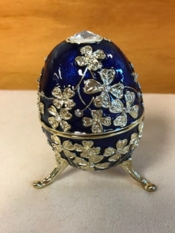 Blue musical jewelry egg