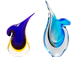 Sometimes Sommerso is being used in combination with other Murano glass techniques.  In our collection we present Murano Sommerso vases in combination with the frosted satin finish acid etched and diamond cut polished finishes.